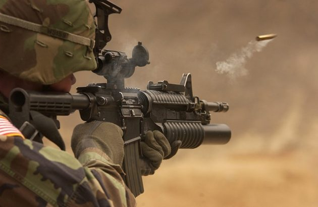 submachine-gun-62902_640