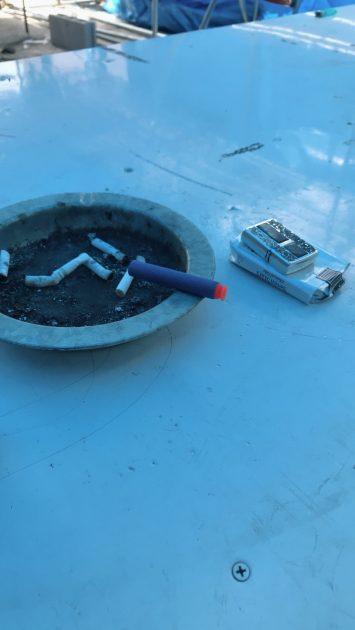 HEROウェアハウス喫煙所