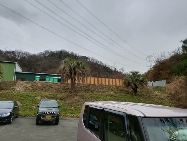 2019-02-09 HIVE駐車場からみたトイレ