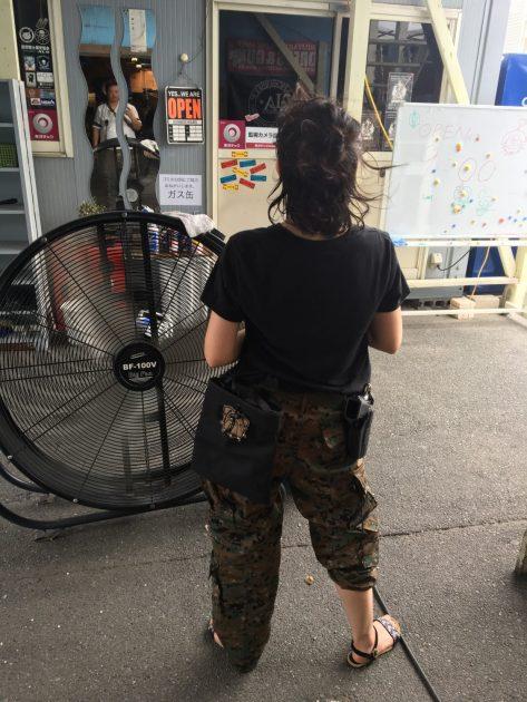2018-07-28 ラグーンシティ 巨大扇風機とサバゲ女子