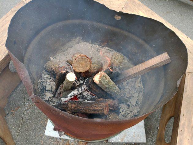 2019-02-09 HIVE焚き火で暖を取る